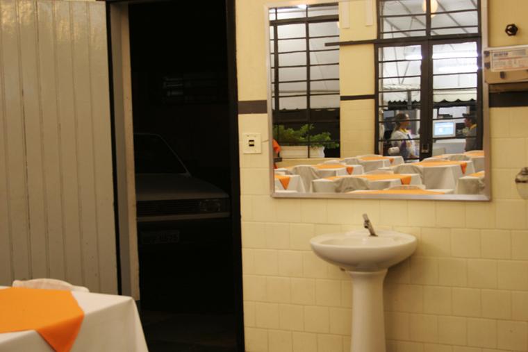 reflexo mesas posto de serviço Mogi Mirim